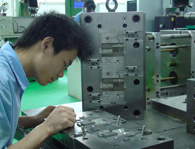 PP Material Plastic Injection Mold Manufacturing Mutil Color Acceptable